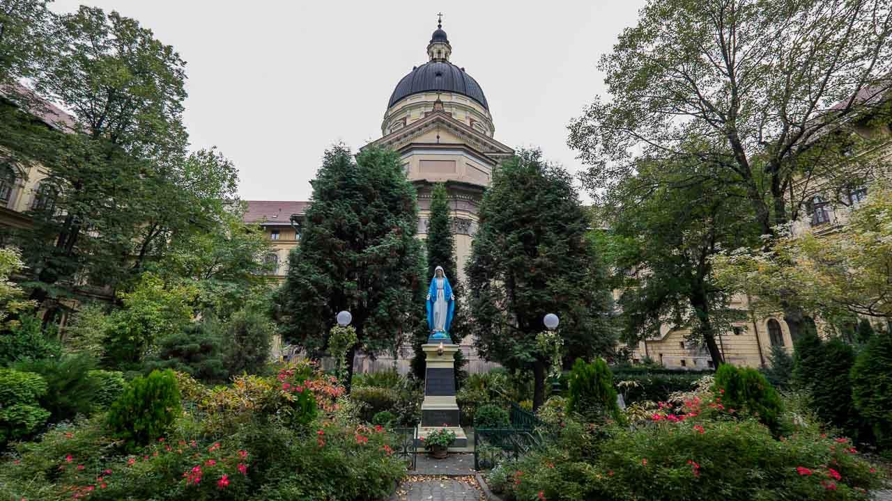 Dom-Helcow-Kaplica-centrum-8522