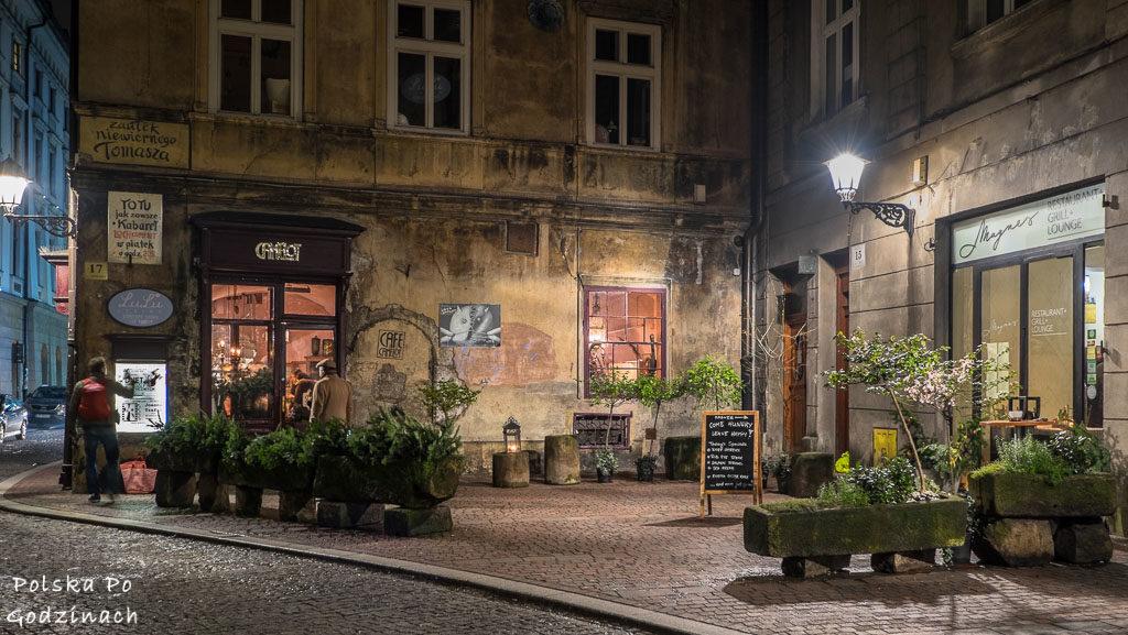 Kawiarnie w Krakowie - Camelot Cafe i zaułek niewiernego Tomasza