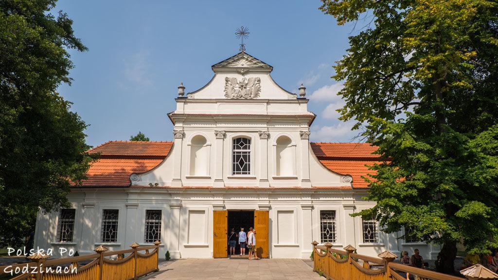 Zwierzyniec Roztocze kościół na wyspie