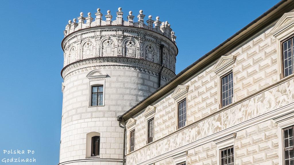 Zamek-Krasiczyn-baszta-szlachecka-4772