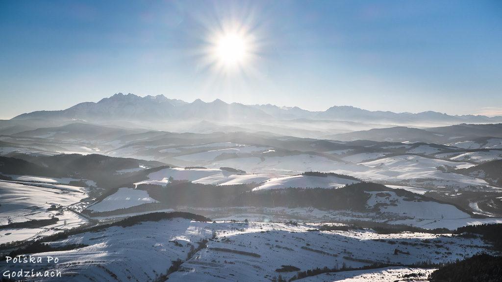 Panorama Tatr z Trzech Koron.