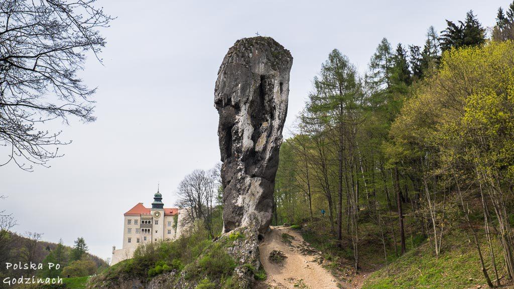 Maczuga Herkulesa i Zamek w Pieskowej Skale w Ojcowskim Parku Narodowym