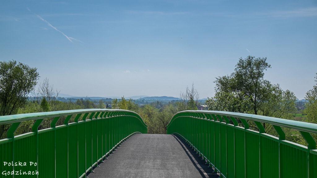 Rowerowy most na Skawince łączący dwa brzegi rzeki