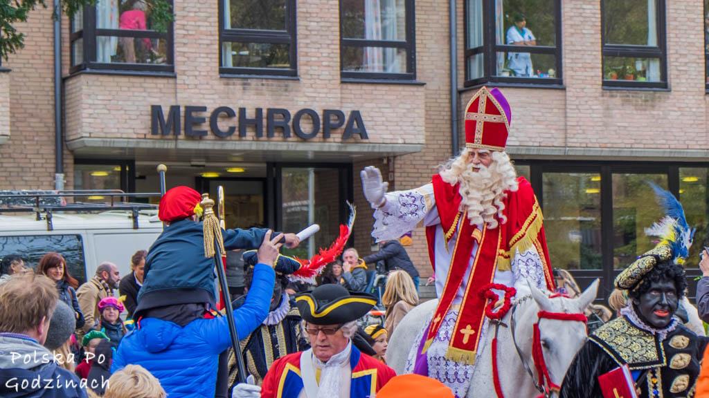 Gdzie mieszka święty mikołaj? korowód Św Mikołaja. Haga w Holandii