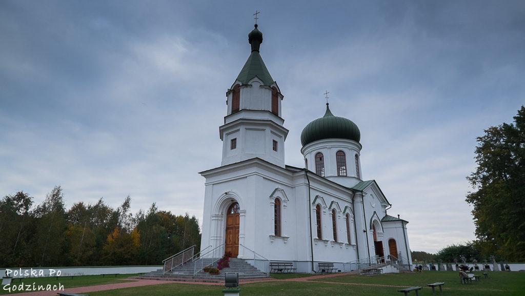 bialowieski-park-narodowy-cerkiew-narewka