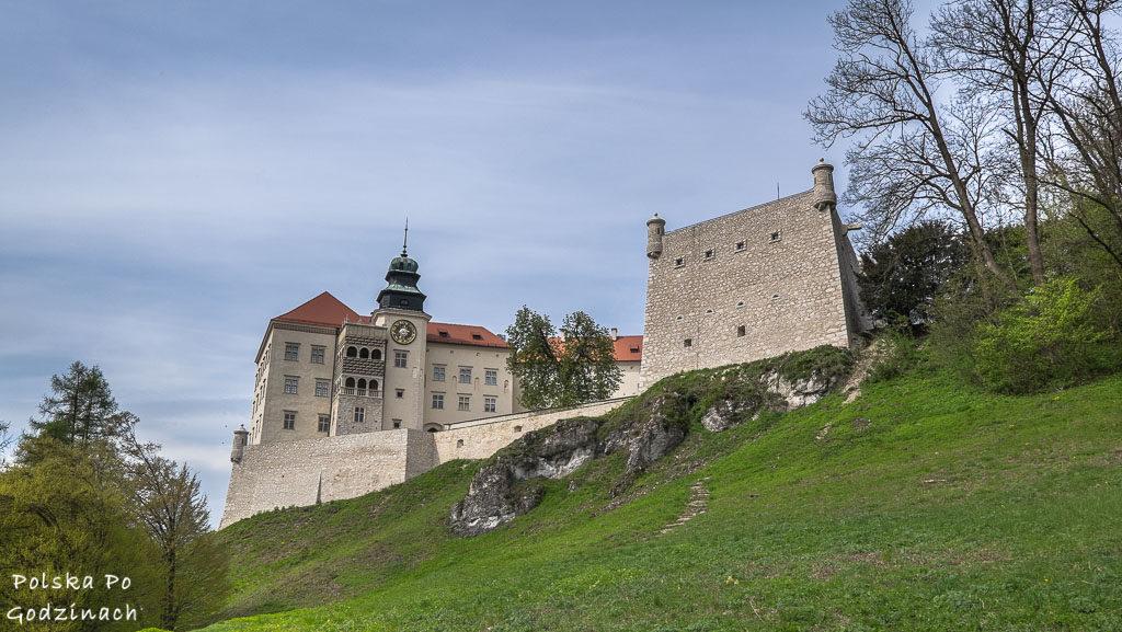 Zamek w Pieskowe Skale. Atrakcja Ojcowskiego Parku Narodowego i Małopolski.