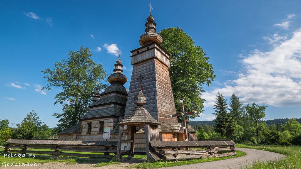 Wpisana na listę UNESCO drewniana cerkiew św. Paraskewy w Kwiatoniu w Beskidzie Niskim