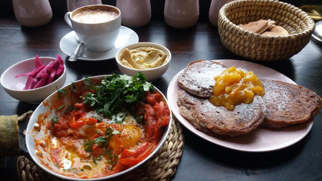 Śniadanie w Rannym Ptaszku na Kazimierzu w Krakowie