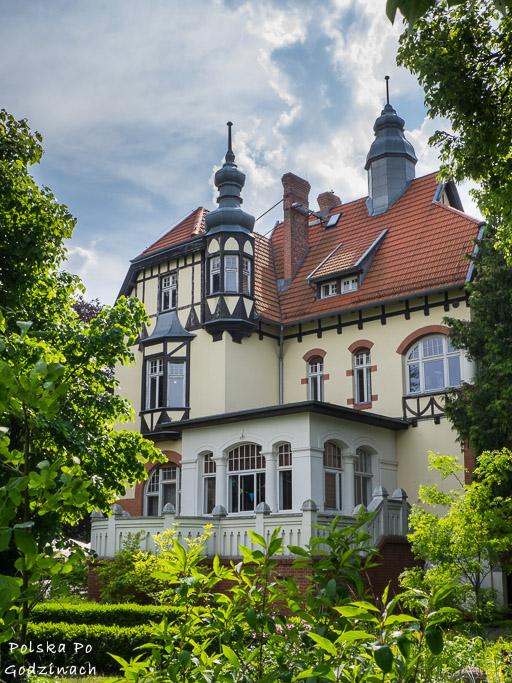 Muzeum Sopotu to piękna willa wybudowana nad morze i świetny pomysł na deszczowy dzień.