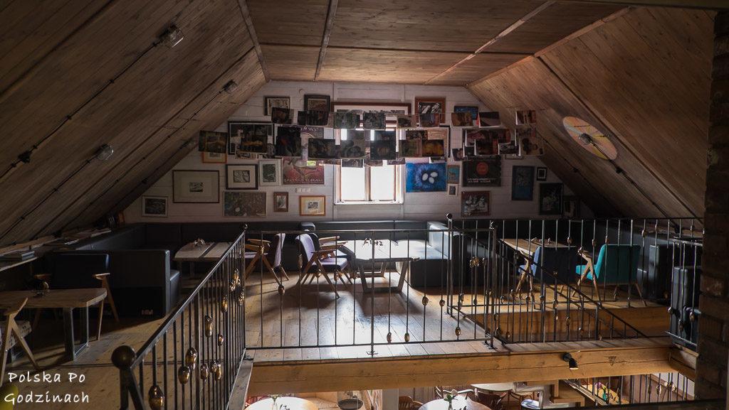 Wnętrze kawiarni Arka w Lanckoronie
