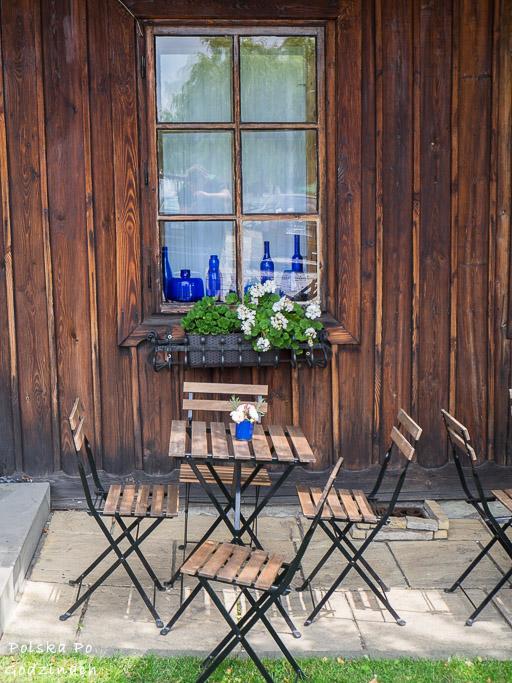 Niebieska Kawiarenka stoliki