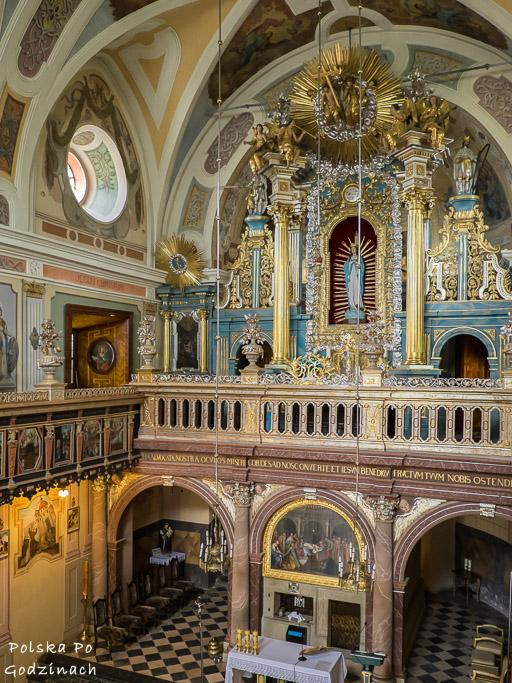 Wnętrze kościoła w Brodach