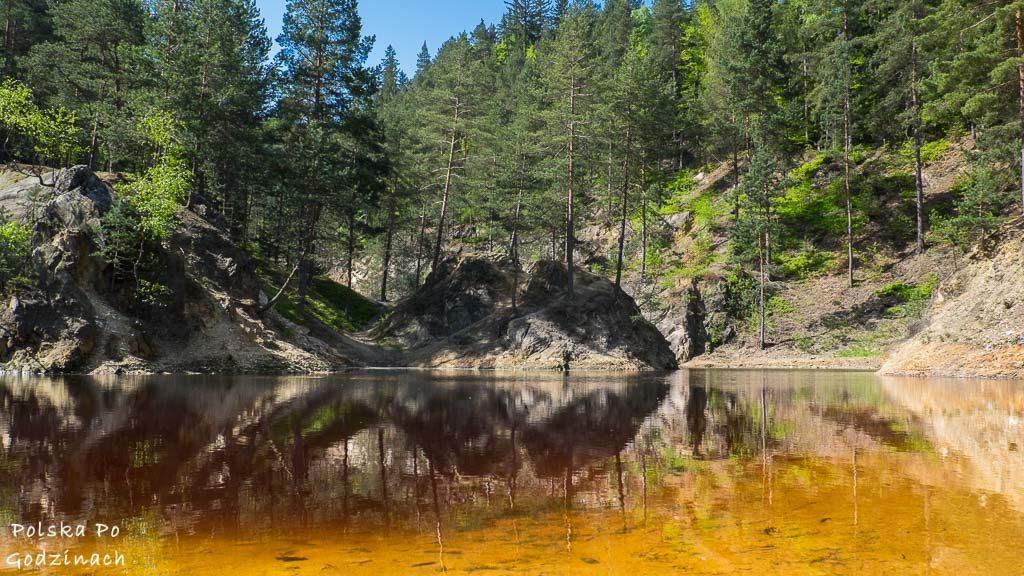 Kolorowe Jeziorka w Rudawach Janowickich to atrakcja dla całej rodziny