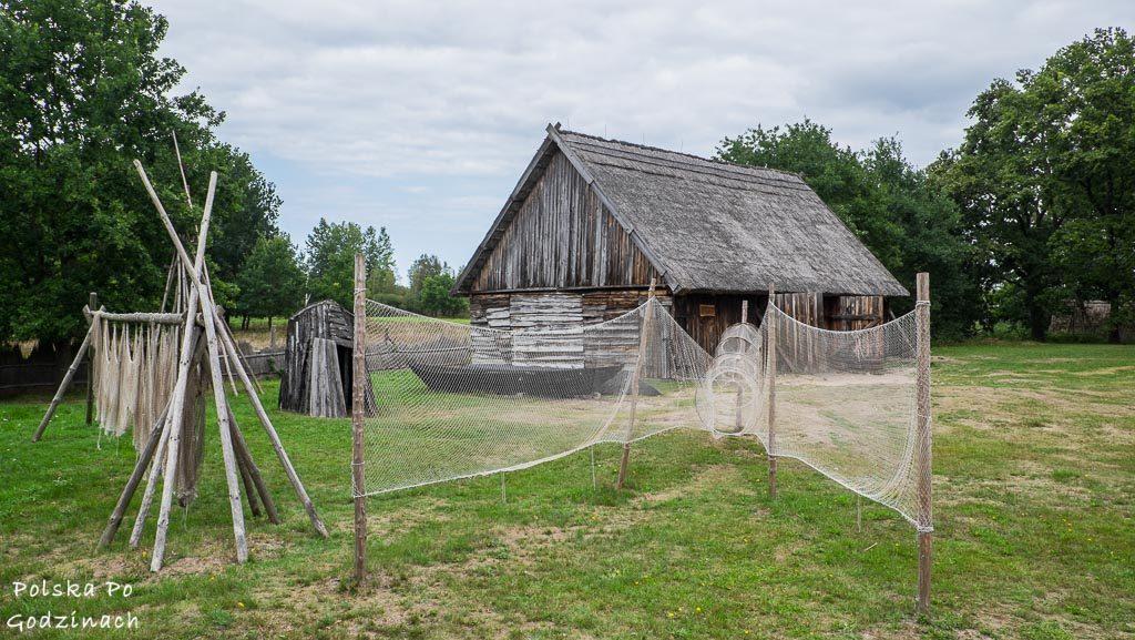 Muzeum Wsi Słowińskiej pokazuje przedmioty rybackie