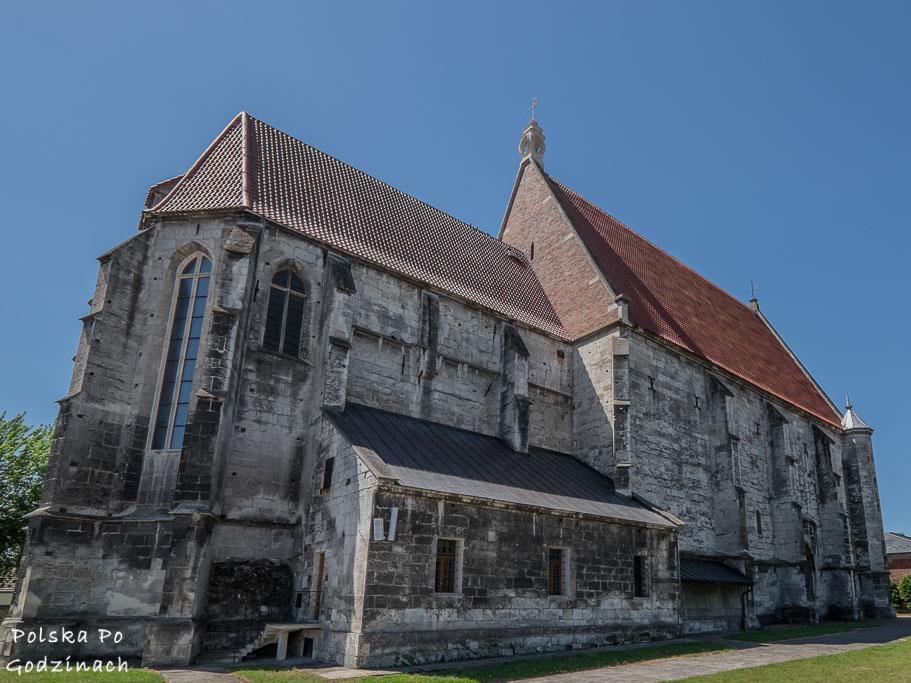 jedną z atrakcji świętokrzyskiego jest katedra w Wiślicy