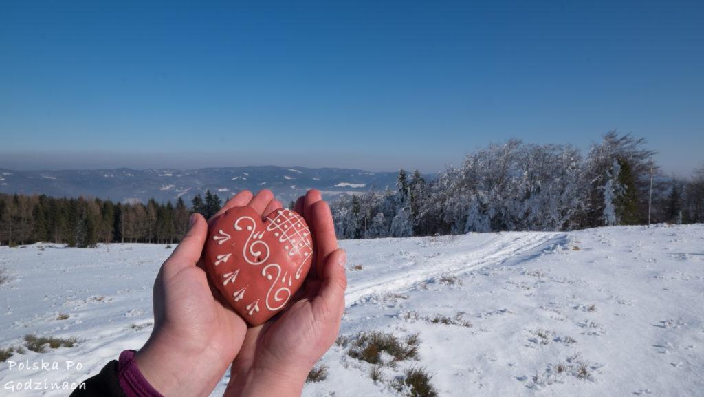 Gory zima serduszko krajobraz