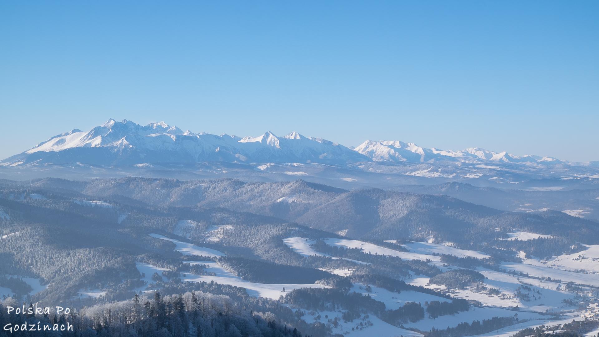 Widok zimowy na Tary Trzy Korony
