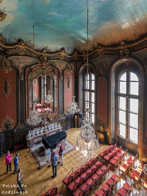 sala lustrzana muzuem w pszczynie hochbergowie