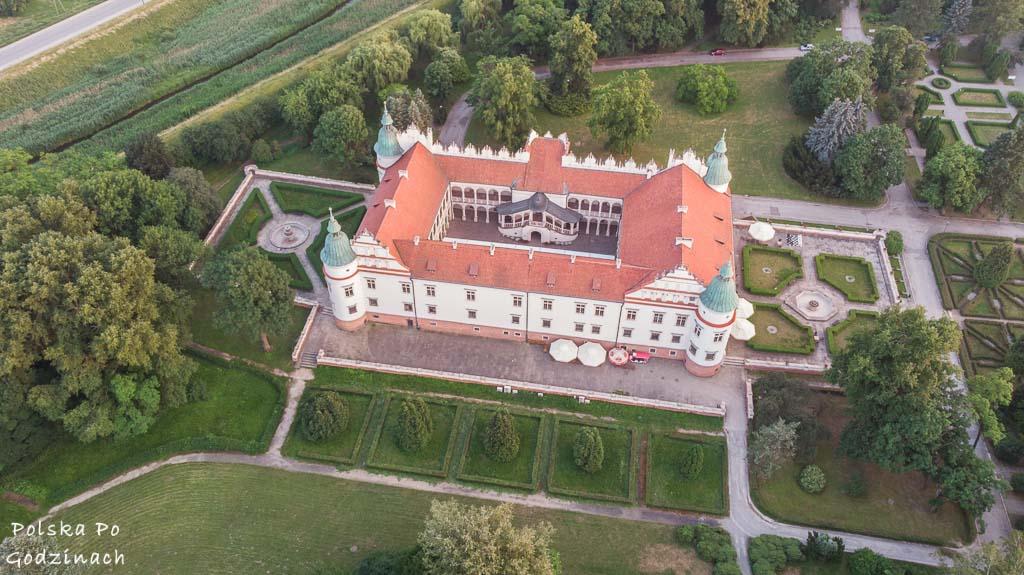 Widaok na Pałac w Baranowie Sandomierskim z drona.