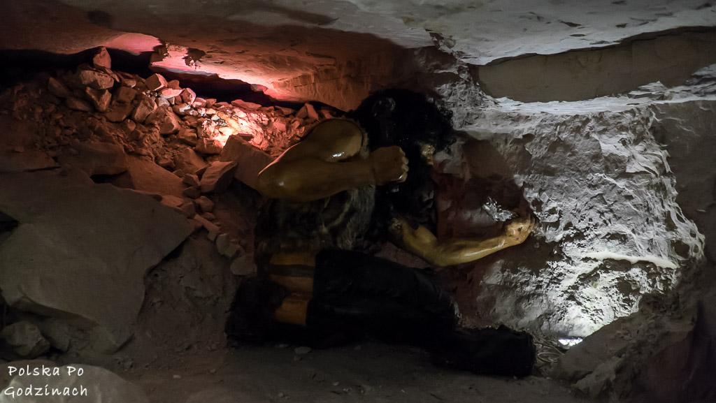 górnik pracujący w kopalni krzemienia w Krzemionkach