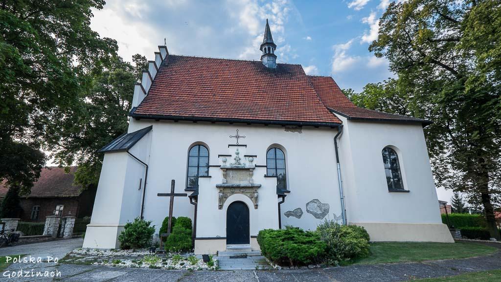 kościół w Giebułtowie na trasie rowerowej Kraków - Ojcowski Park Narodowy