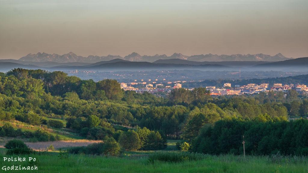 widok na Tatry z trasy rowerowej Kraków - Ojców