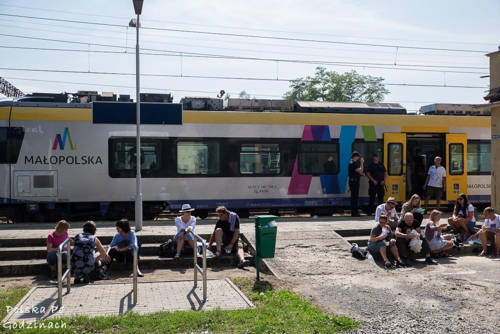 pociąg na dworcu w Jaśle