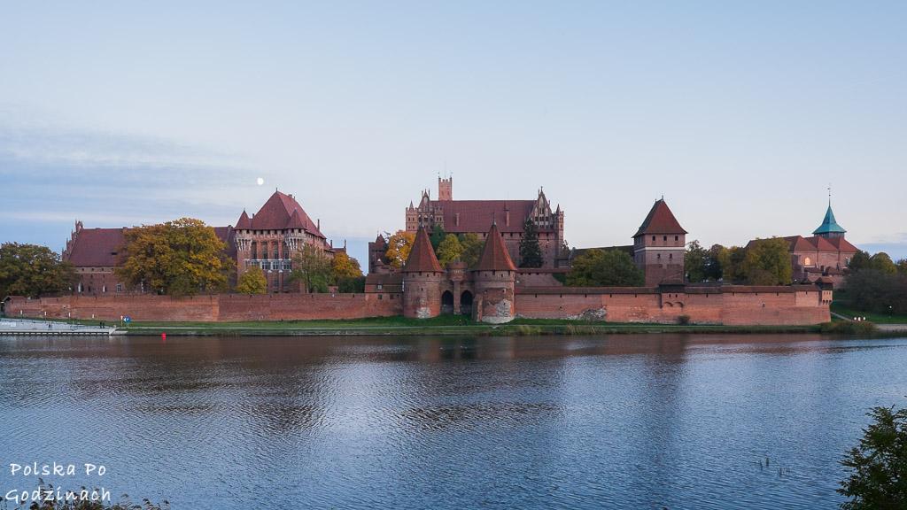 Zamek w Malborku nad rzeką Nogat jest bez wątpienia jednym z najpiękniejszych zamków w Polsce.