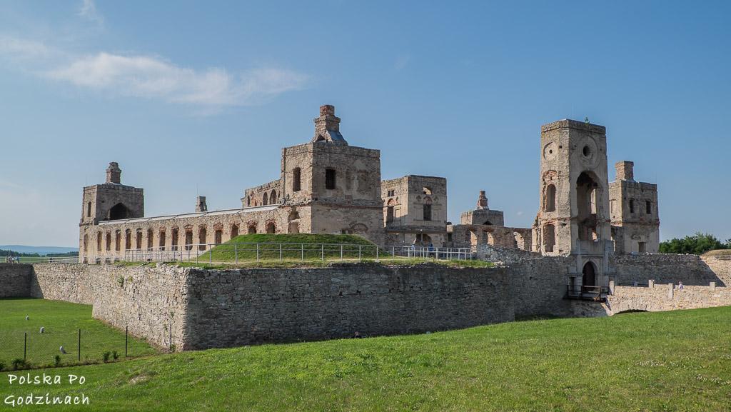 Jeden z bastionów fortyfikacji zamku Krzyżtopór.
