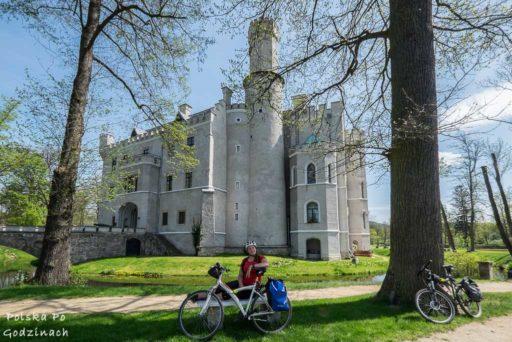 Zamek w Karpnikach na terenie Doliny Pałaców i Ogrodów.