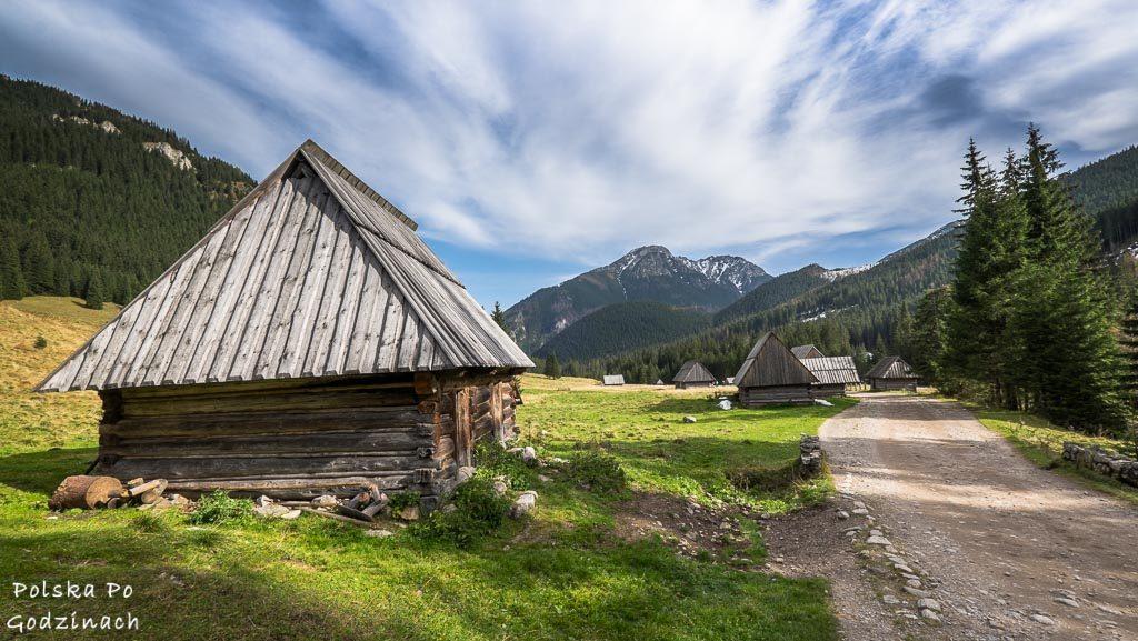Drewniane chatki w Dolinie Chochołowskiej