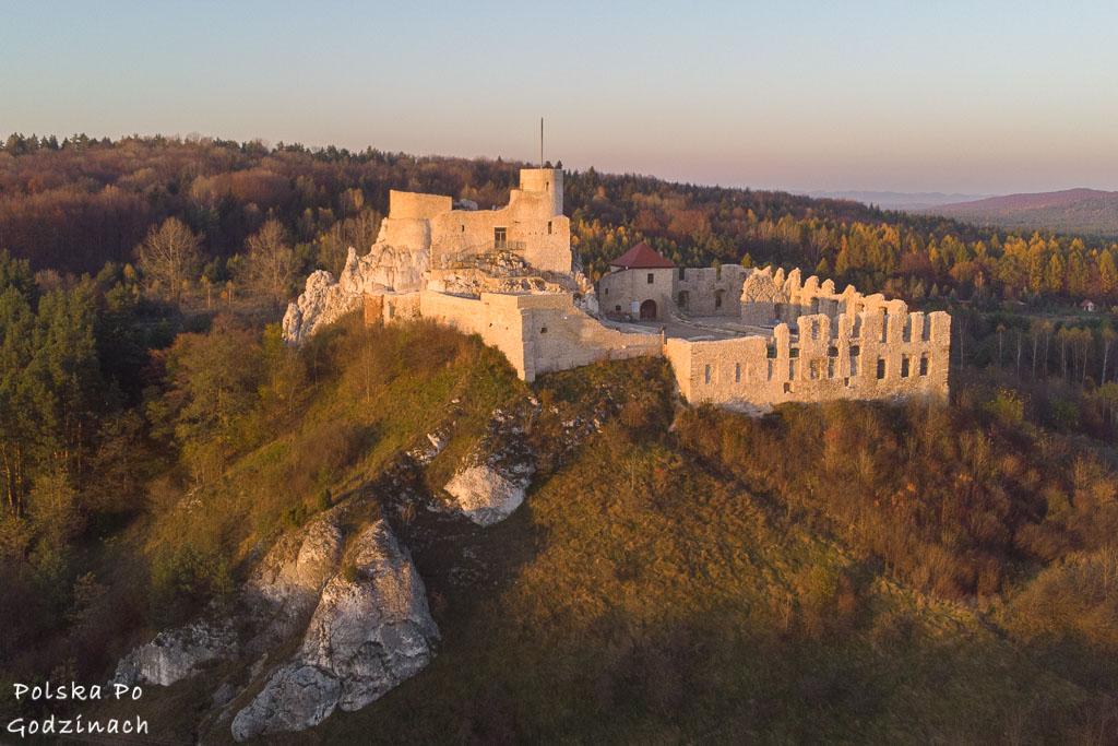zamek w rabsztynie z lotu ptaka