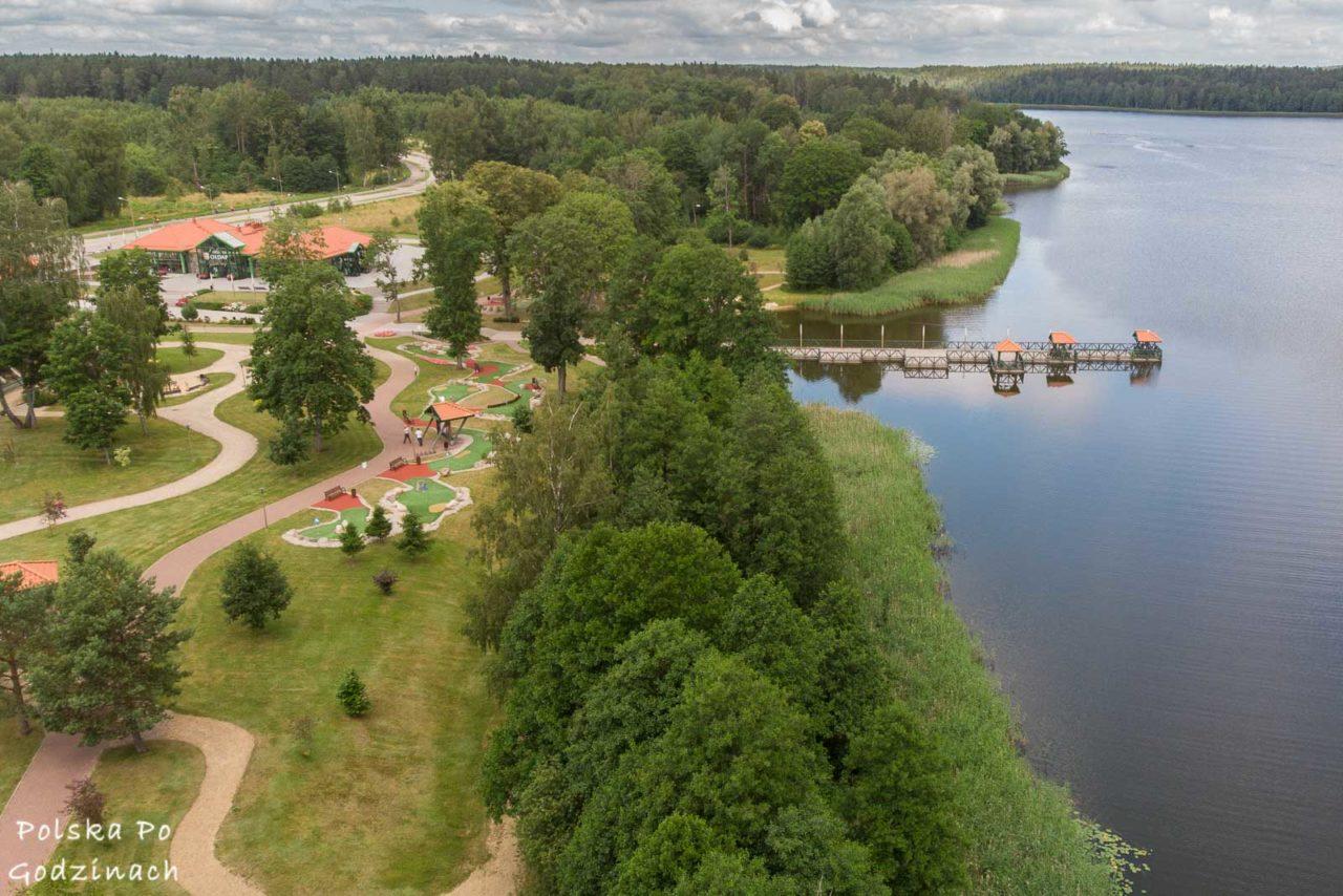 Jezioro, tężnie solankowe i pijalnia wód to atrakcje Gołdapi.