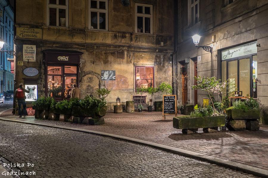 będąc w Krakowie warto zobaczyć klimatyczny zaułek niewiernego tomasza na starym mieście