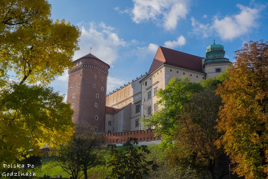 Zamek na Wawelu to miejsce które trzeba zobaczyć będąc w Krakowie