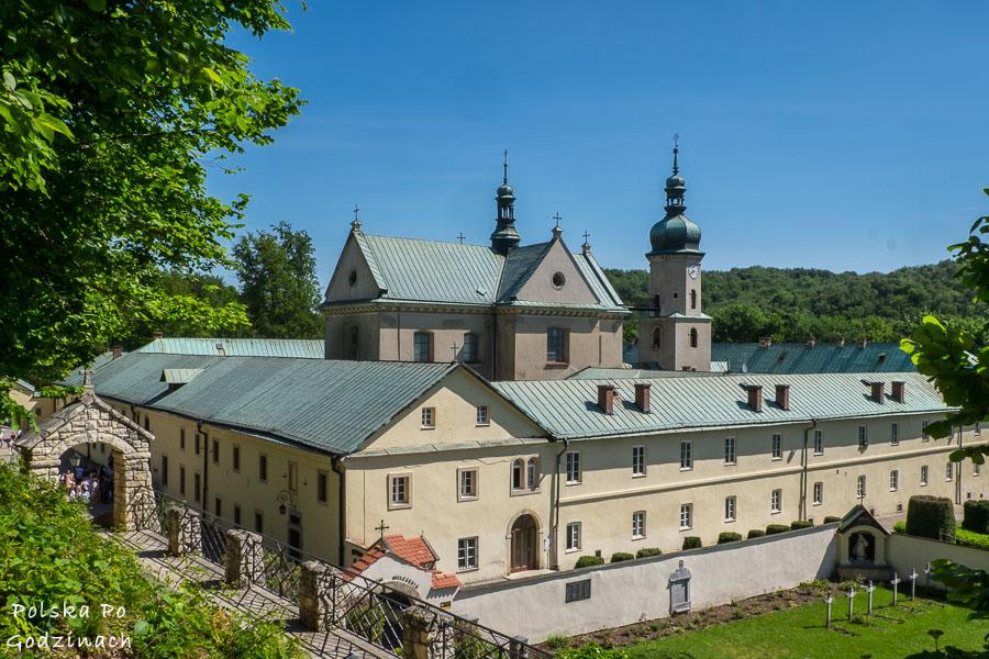 Klasztor karmelitański w Dolinie Eliaszówki